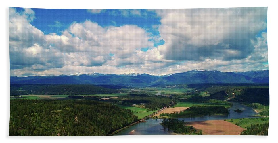 Idaho Bath Sheet featuring the photograph The Kootenai River by Jeff Swan
