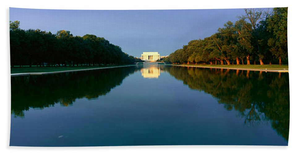 Photography Bath Sheet featuring the photograph The Lincoln Memorial At Sunrise by Panoramic Images