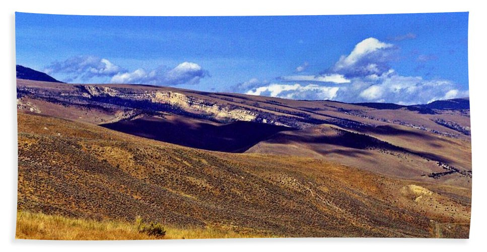 Wyoming Hand Towel featuring the photograph The Middle Of Nowhere by Christian Mattison