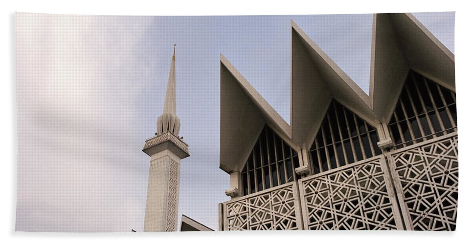 Asia Bath Sheet featuring the photograph The National Mosque Kuala Lumpur by Shaun Higson