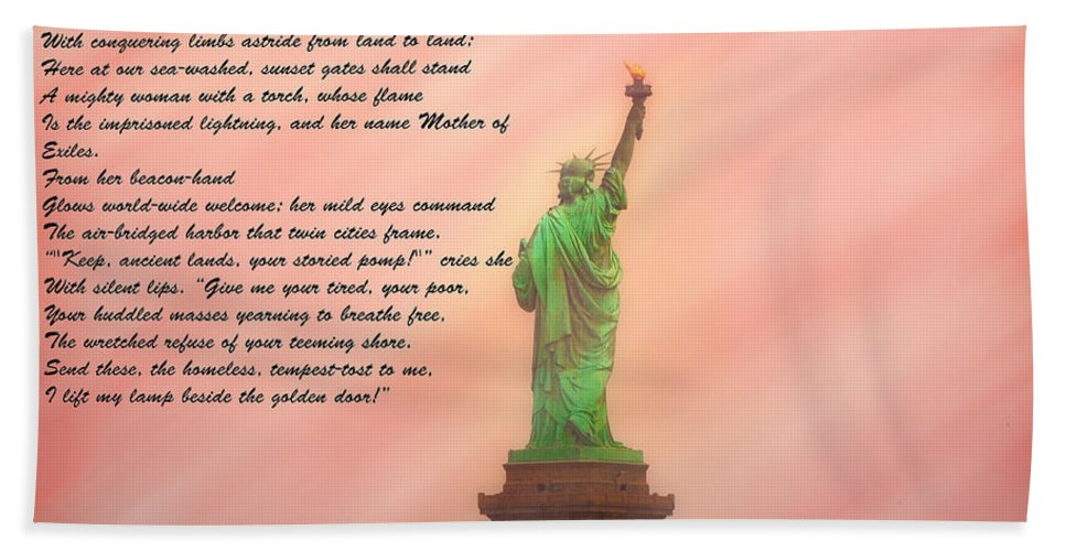 Staue Hand Towel featuring the photograph The New Colossus by Bill Cannon