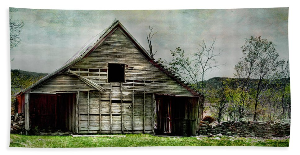 Barn Hand Towel featuring the photograph The Old Barn by David and Carol Kelly