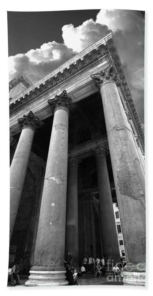 The Pantheon Bath Sheet featuring the photograph The Pantheon In Rome Bw by Mike Nellums