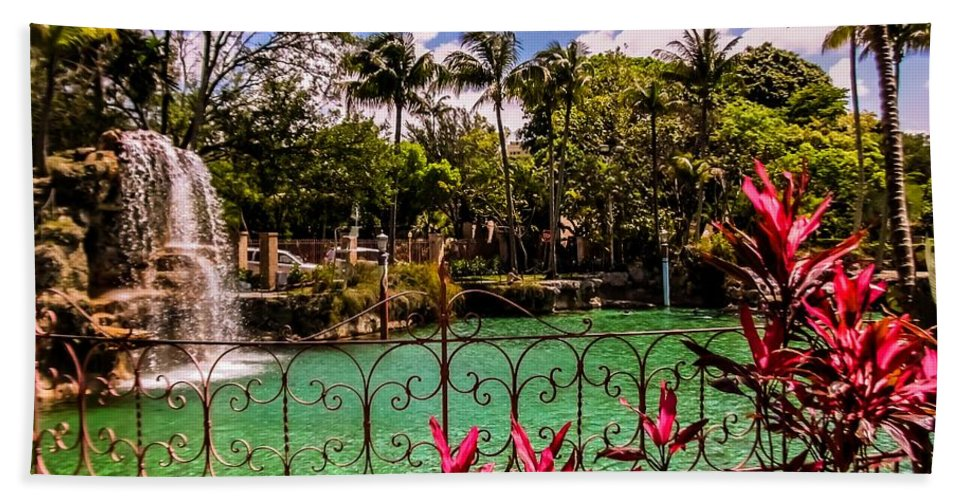 Venetian Pool Hand Towel featuring the photograph The Place To Relax by Zina Stromberg