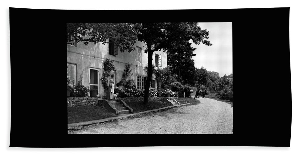 Architecture Bath Towel featuring the photograph The Platt's House In New Jersey by Samuel H. Gottscho