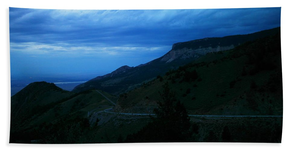 Landscape Hand Towel featuring the photograph The Road To Cody by Jeff Swan