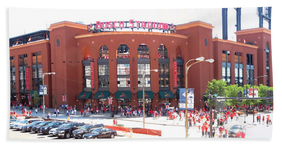Busch Stadium Bath Sheet featuring the photograph The Sea Of Red Arrives by C H Apperson