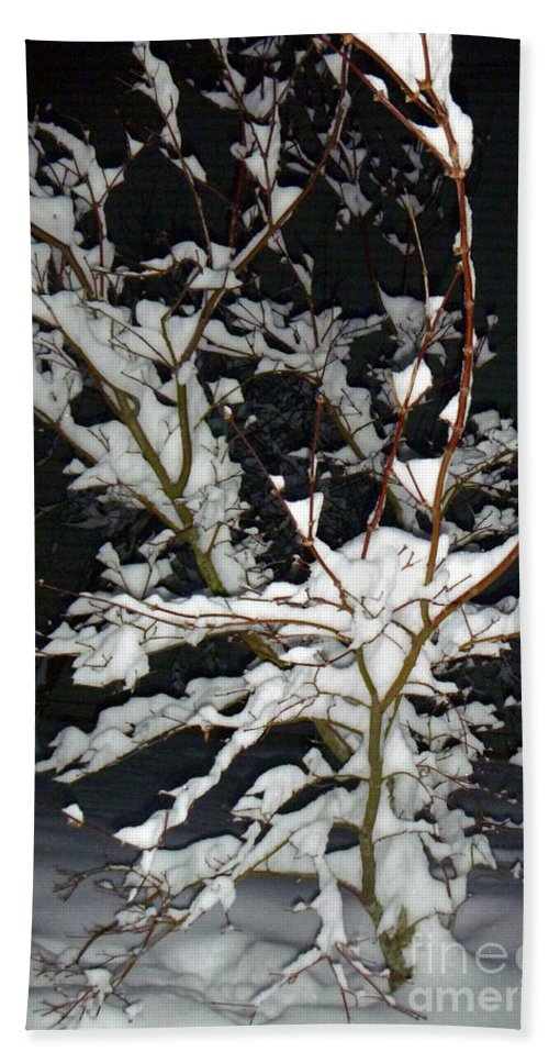 Snow Hand Towel featuring the photograph The Snowy Tree by Alys Caviness-Gober