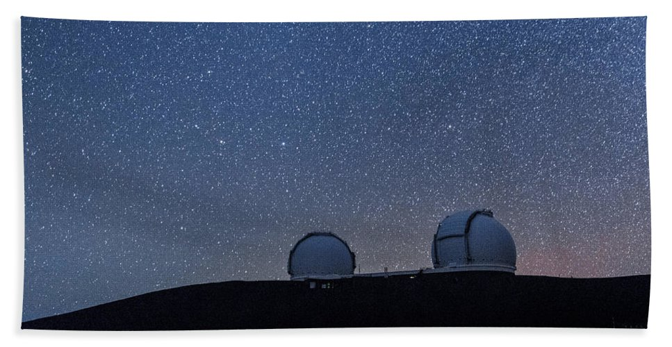 Big Island Bath Sheet featuring the photograph The Stars Above Keck by Jason Chu