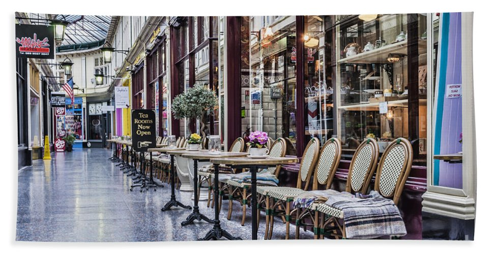 High Street Arcade Cardiff Hand Towel featuring the photograph The Tea Room by Steve Purnell