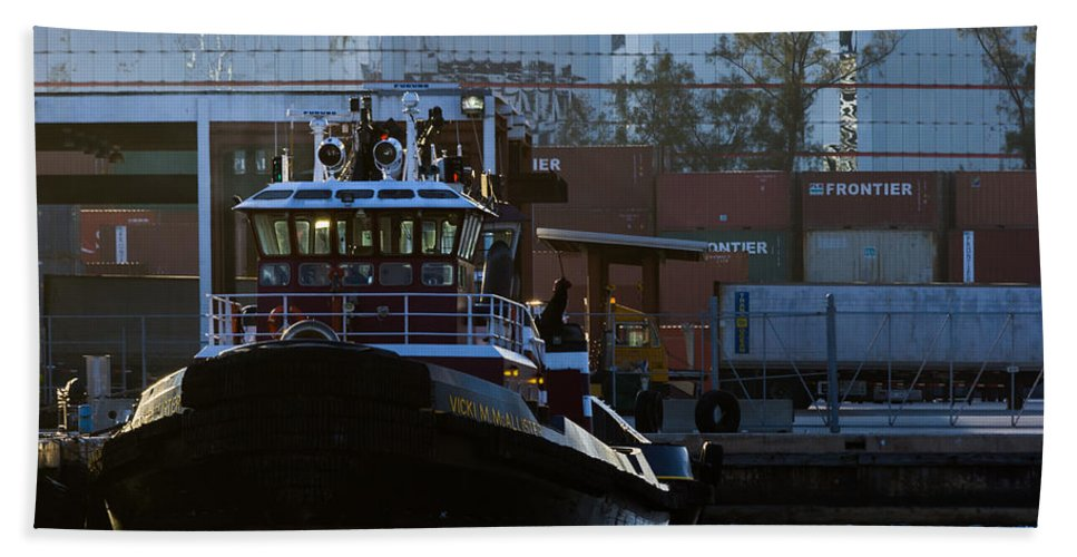 Bay Bath Sheet featuring the photograph The Vicki M. Mcallister by Ed Gleichman