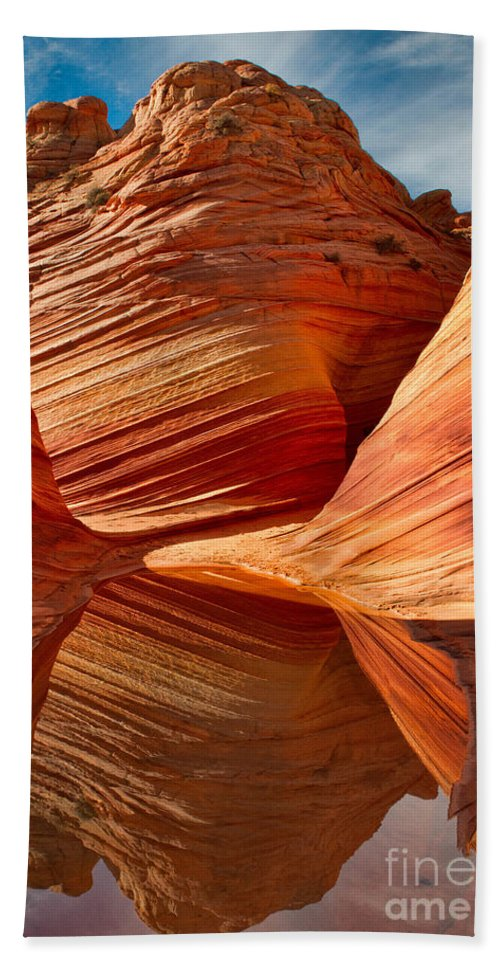 Sandstone Hand Towel featuring the photograph The Wave With Reflection by Jerry Fornarotto