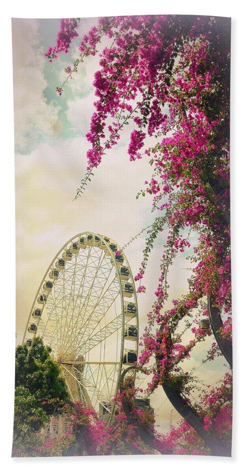 Ferris Wheel Bath Sheet featuring the photograph The Wheel Of Brisbane by Toni Abdnour