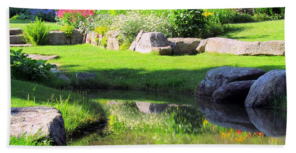 Thula Gardens Hand Towel featuring the photograph Thula Garden's Water Reflections by Elizabeth Dow