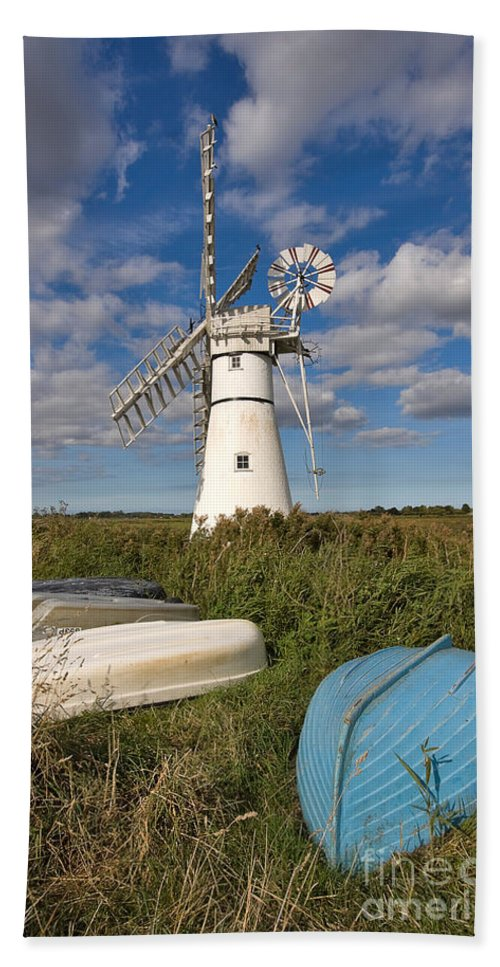 Windmill Hand Towel featuring the photograph Thurne Dyke Windpump Norfolk by Louise Heusinkveld