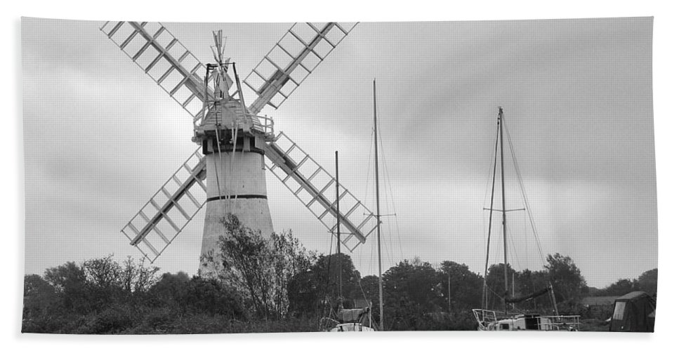Thurne Windpump Ii Hand Towel featuring the photograph Thurne Windmill II by Phyllis Taylor