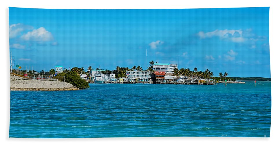 Tiki Bar Florida Keys Islamorada Hand Towel featuring the photograph Tiki Bar Islamorada by Chris Thaxter