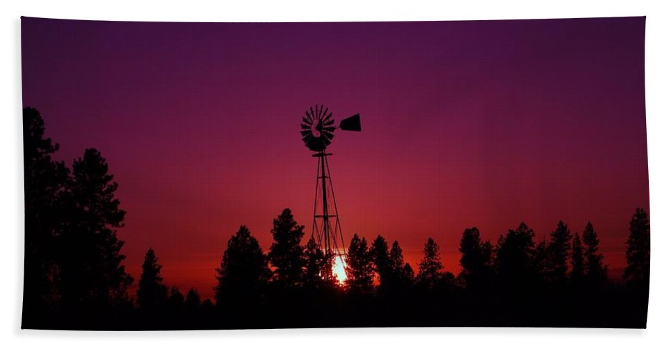 Rural Scenes Hand Towel featuring the photograph Time Gone By by Jeff Swan