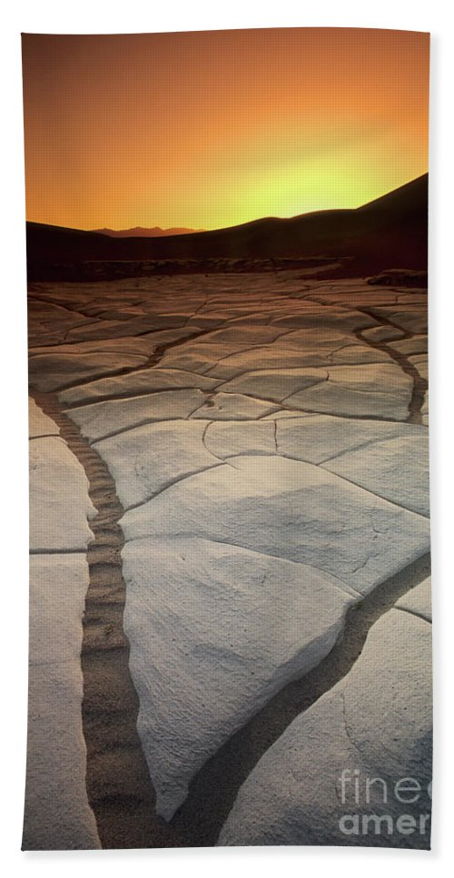 Sunrise Bath Towel featuring the photograph Timeless Death Valley by Bob Christopher
