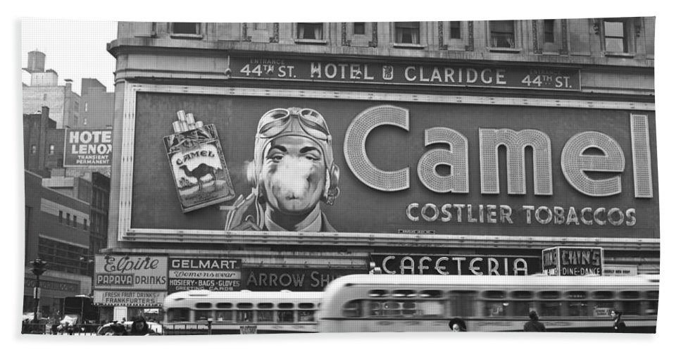 1943 Hand Towel featuring the photograph Times Square Advertising by John Vachon