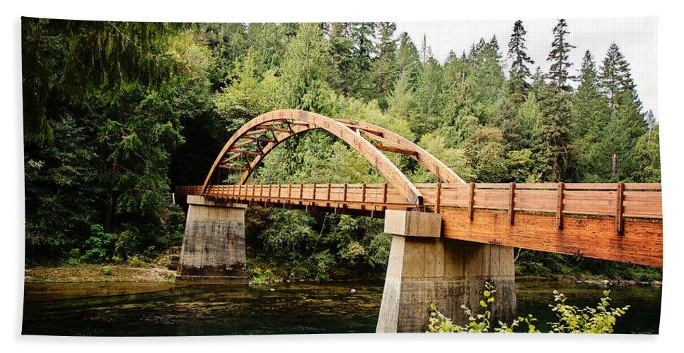Wooden Bath Sheet featuring the photograph Tioga Bridge Over North Umpqua River by Scott Pellegrin