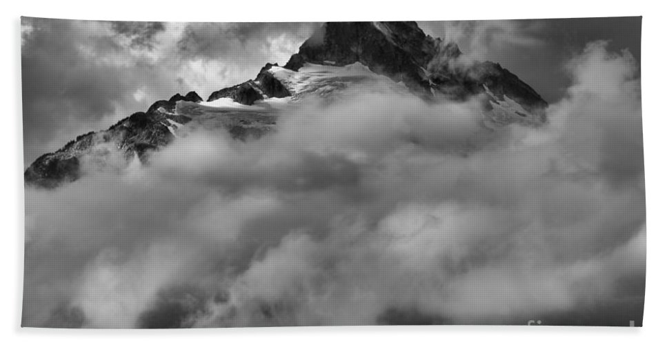 Tantalus Bath Sheet featuring the photograph Tips Of The Tantalus by Adam Jewell