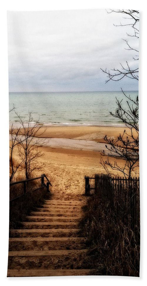 Michigan Hand Towel featuring the photograph To The Beach by Michelle Calkins
