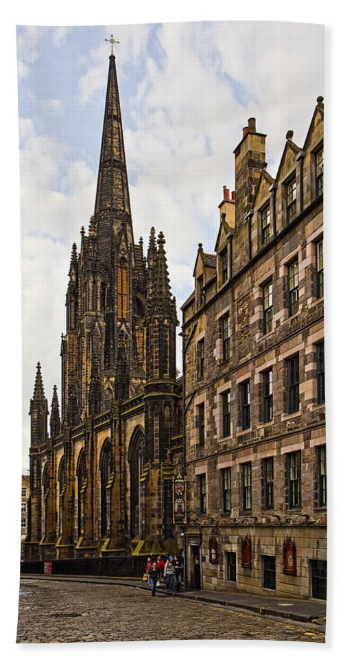 Architecture Hand Towel featuring the photograph Tolbooth St Johns Kirk by Marcia Colelli