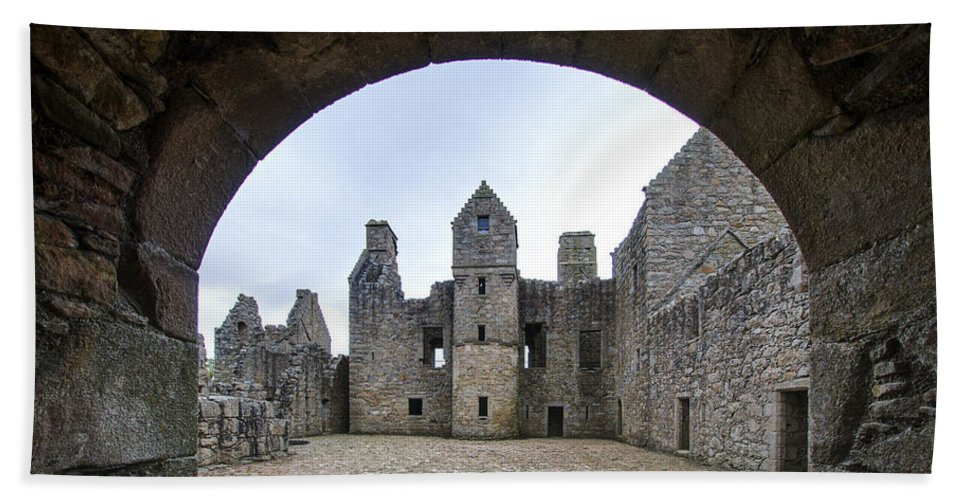 Tolquhon Castle Hand Towel featuring the photograph Tolquhon Castle 3 by Paul Cannon