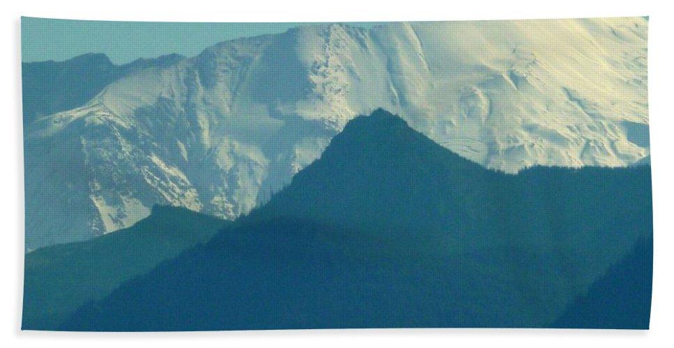 Top Mount Saint Helen's Bath Sheet featuring the photograph Top Mount Saint Helens by Susan Garren