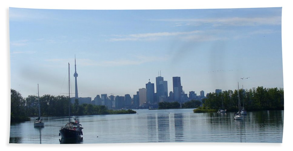 City Skyline Bath Sheet featuring the photograph Toronto Skyline From Tommy Thompson Park by Lingfai Leung