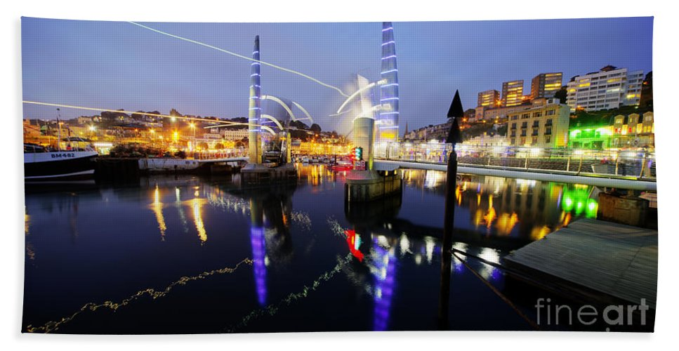 Torquay Hand Towel featuring the photograph Torquay Harbour Bridge by Rob Hawkins