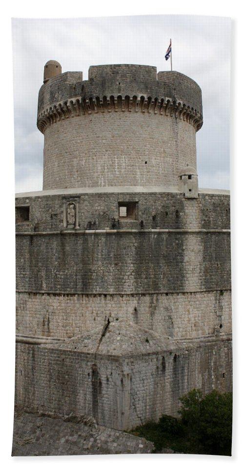 Tower Minceta Bath Sheet featuring the photograph Tower Minceta by David Nicholls