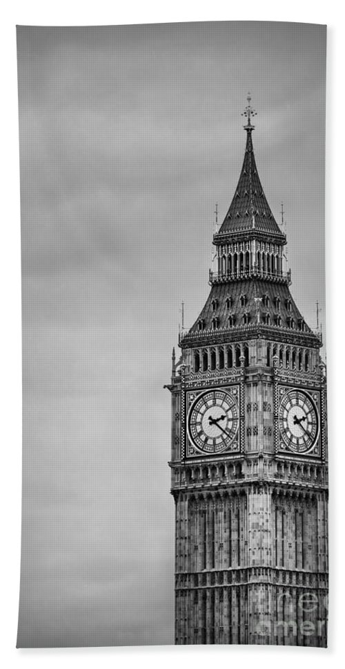 Big Ben Bath Sheet featuring the photograph Tower Of Power by Evelina Kremsdorf