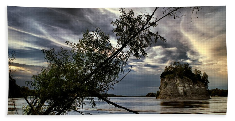 2010 Bath Sheet featuring the photograph Tower Rock In The Mississippi River by Robert Charity