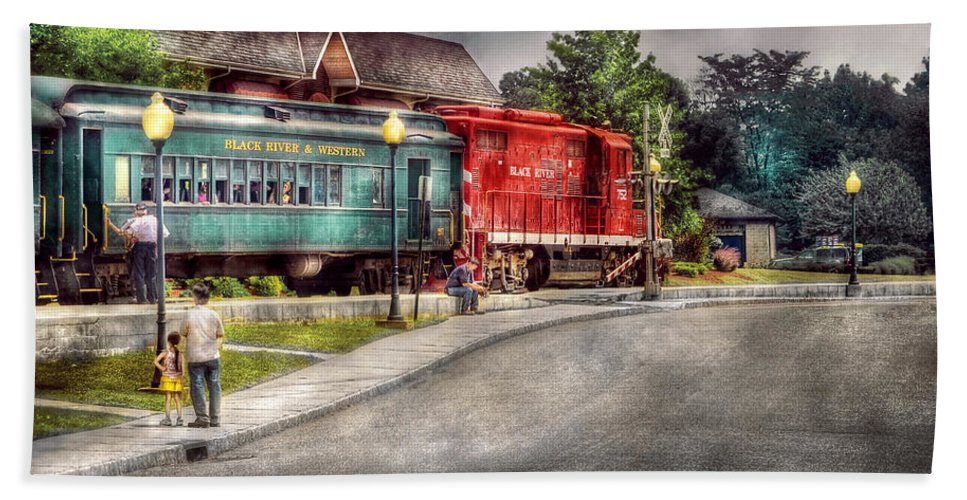 Savad Bath Sheet featuring the photograph Train - Engine - Black River Western by Mike Savad