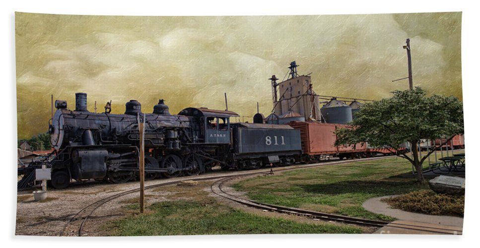 Train - Engine Hand Towel featuring the photograph Train - Engine by Liane Wright