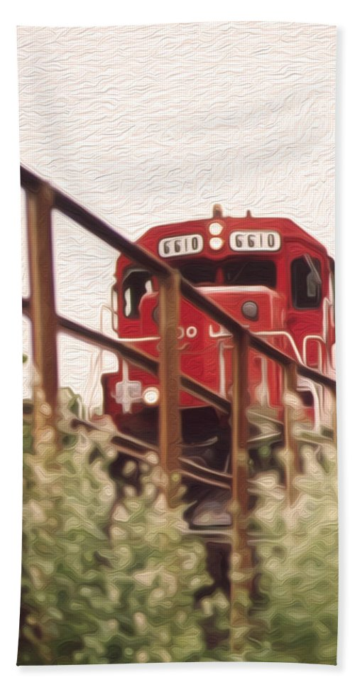 Train Hand Towel featuring the photograph Train by Tracy Winter