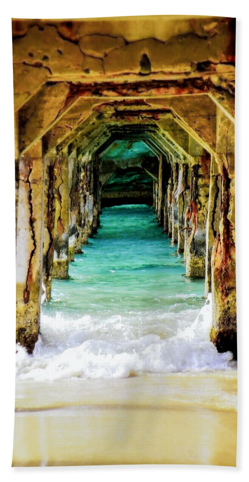 Waterscapes Bath Towel featuring the photograph Tranquility Below by Karen Wiles