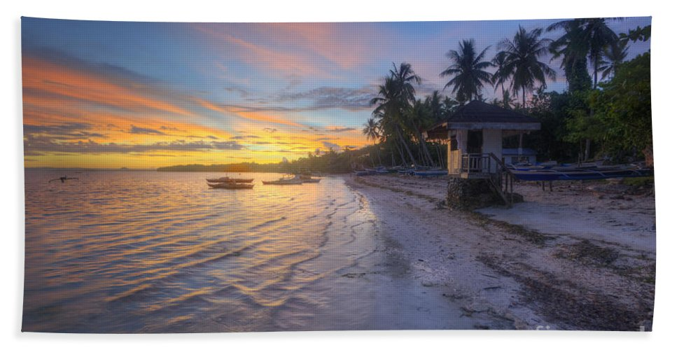 Yhun Suarez Hand Towel featuring the photograph Tropical Sunrise by Yhun Suarez