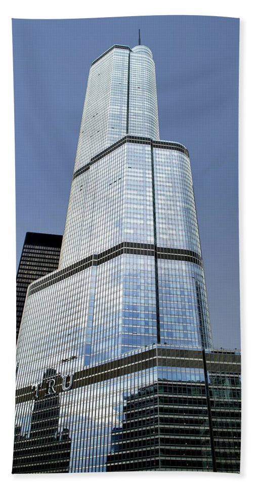 Chicago Bath Sheet featuring the photograph Trump Tower Facade 3 Letter Signage by Thomas Woolworth