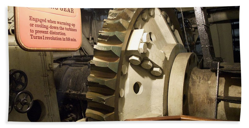 Queen Mary Hand Towel featuring the photograph Turning Gear Engine Room Queen Mary 02 by Thomas Woolworth