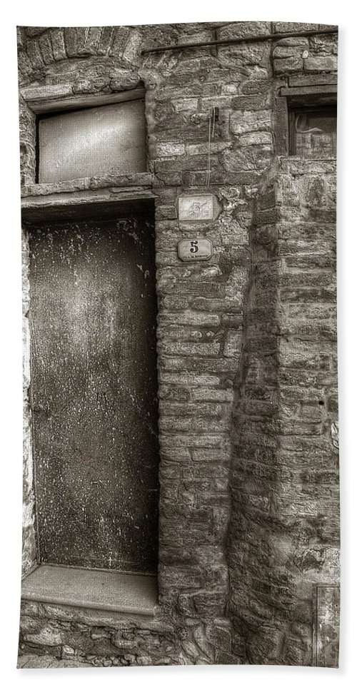 Tuscany Bath Sheet featuring the photograph Tuscan Doorway by Michael Kirk
