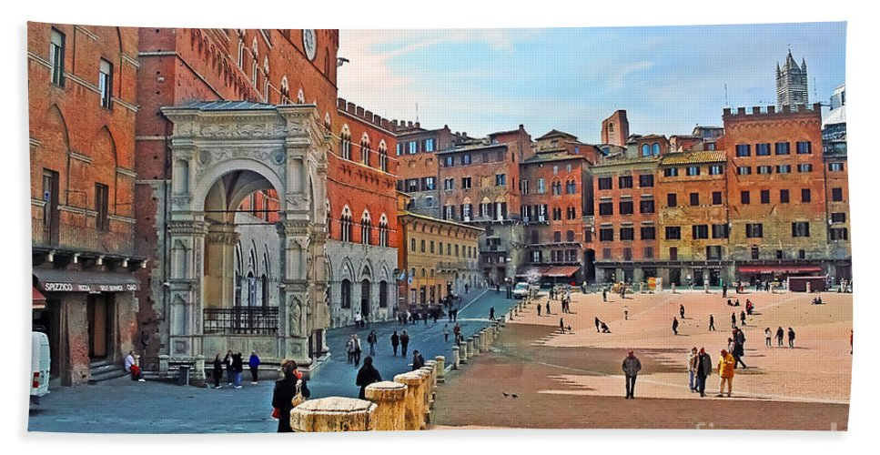 Travel Bath Sheet featuring the photograph Tuscany Town Center by Elvis Vaughn