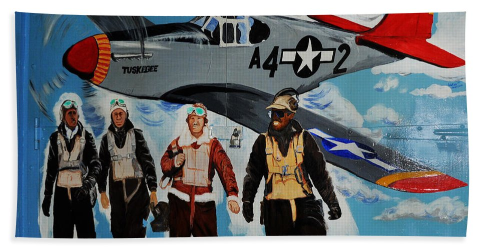 Redtails Bath Towel featuring the photograph Tuskegee Airmen by Leon Hollins III