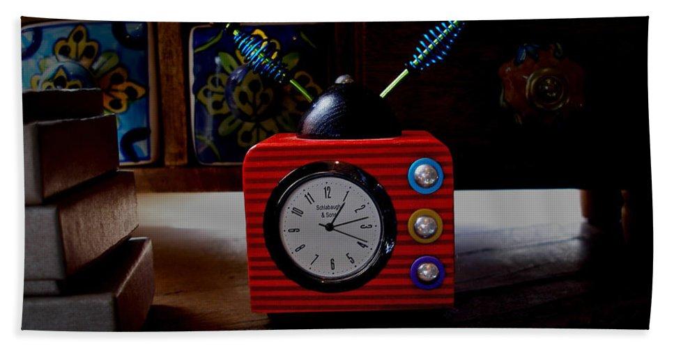 Clock Hand Towel featuring the photograph Tv Clock by David Pantuso