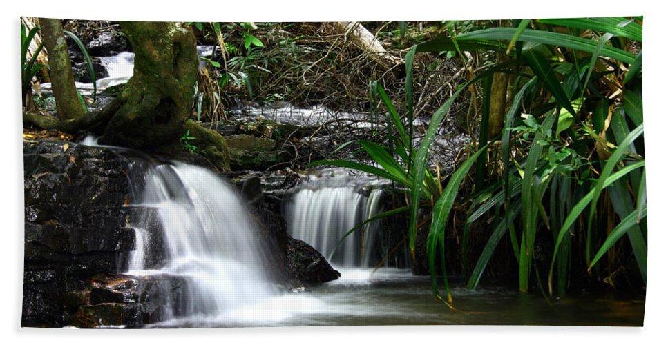 Stream Hand Towel featuring the photograph Twin Cascades by Darren Burton