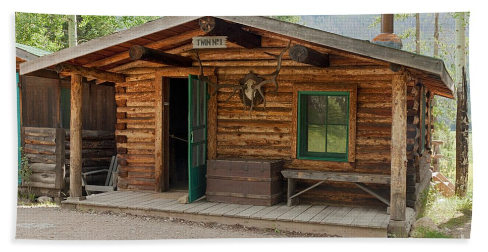 Cabin Bath Sheet featuring the photograph Twin No. 1 Cabin At The Holzwarth Historic Site by Fred Stearns