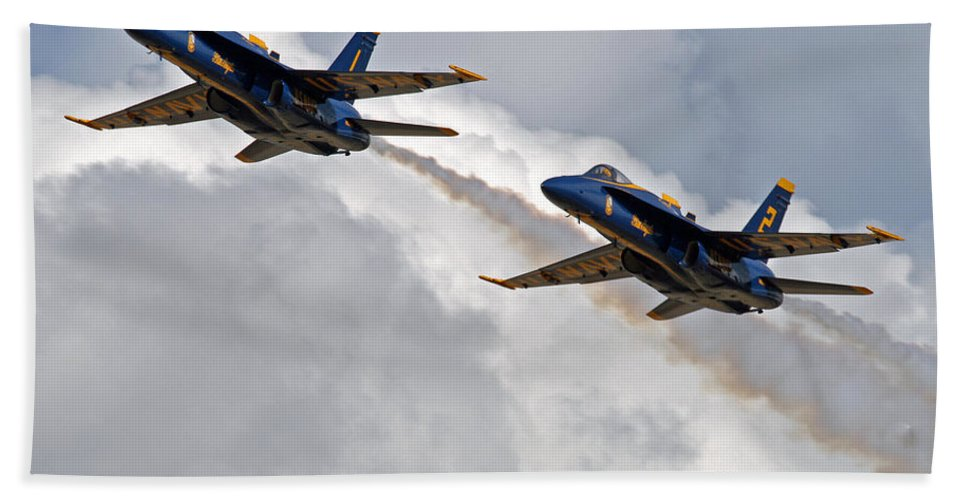 Blue Angels Bath Towel featuring the photograph Two Angels by Bob Hislop