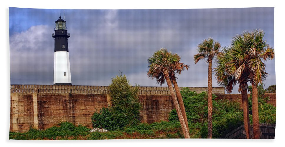 Architecture Bath Sheet featuring the photograph Tybee Island Lighthouse by Marcia Colelli